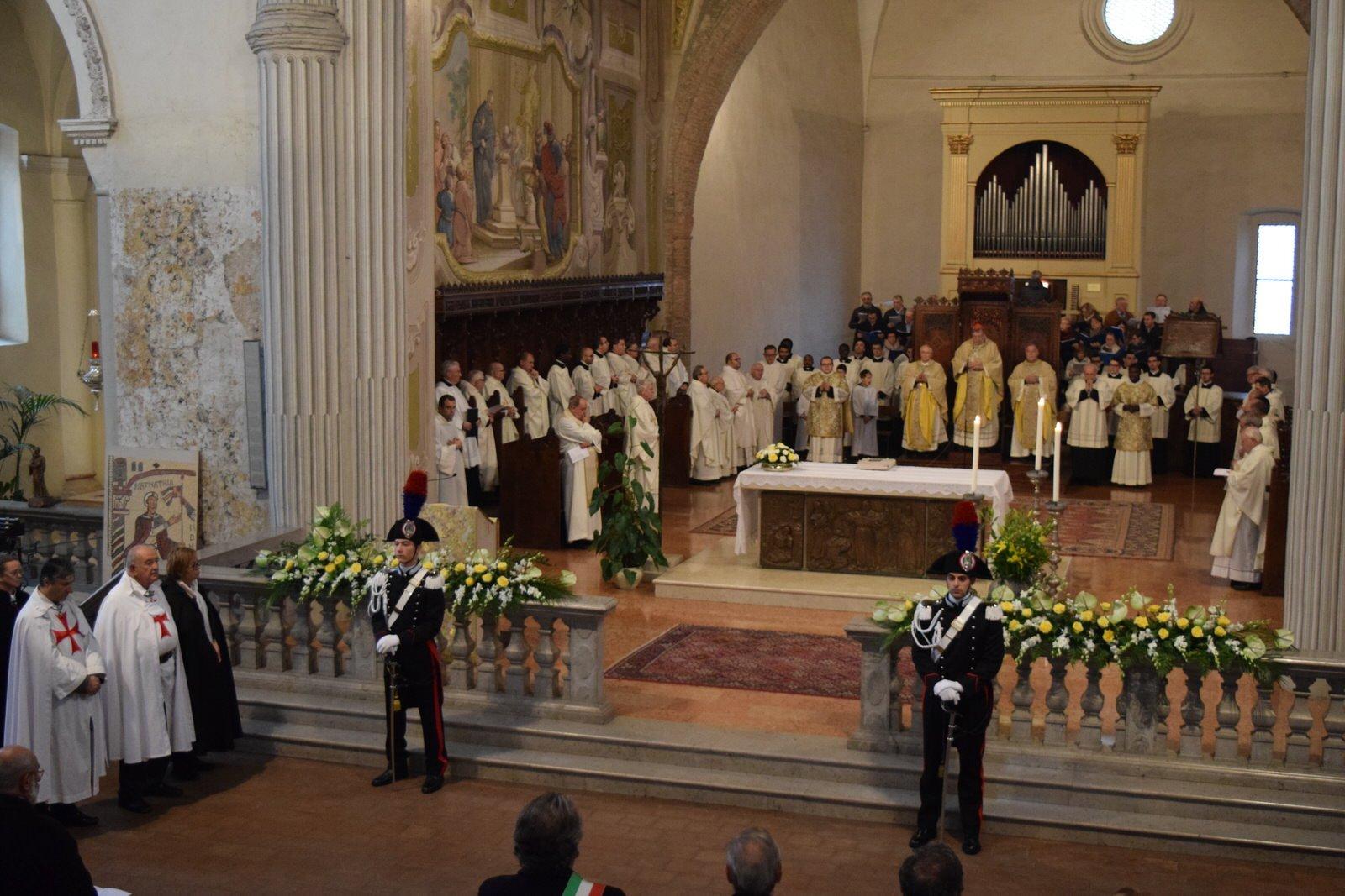 Templiers Catholique aux célébrations de la fête du saint San Colombano patron de la ville de Bobbio, (Piacenza Italie)